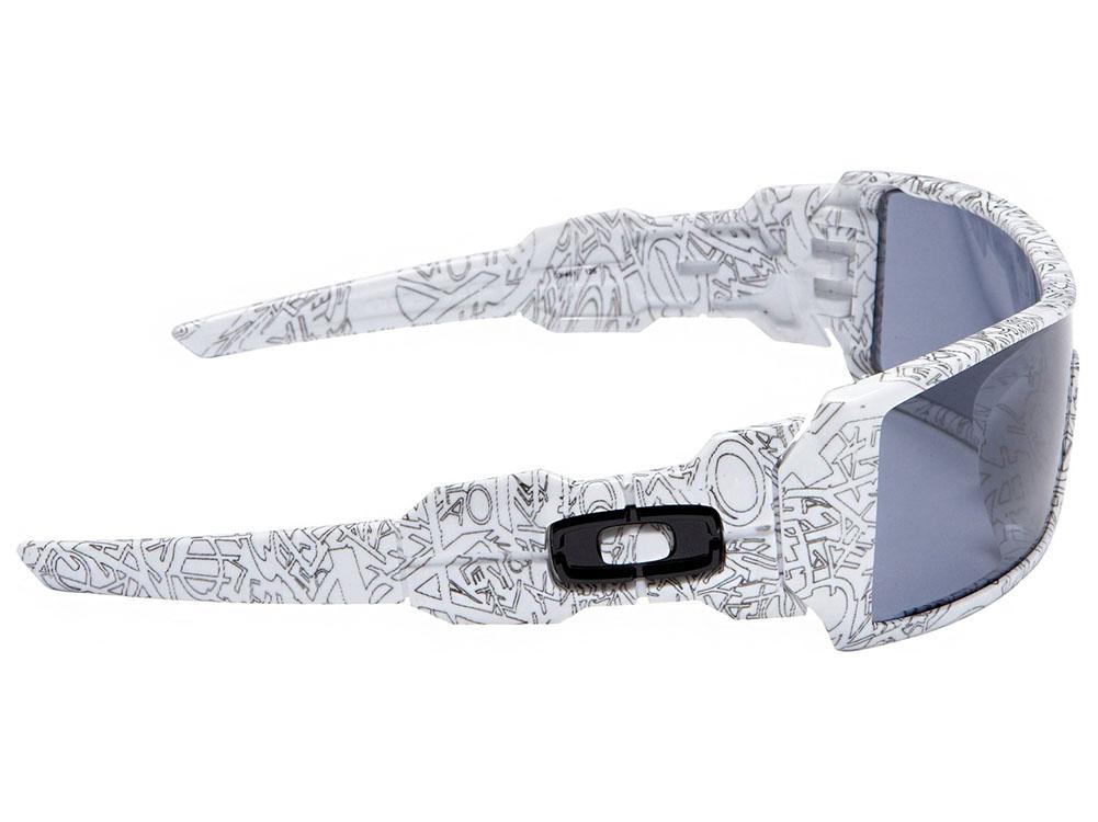 Oakley Oil Rig Sunglasses 03-461 White Text Print Grey   eBay 823b7d5739